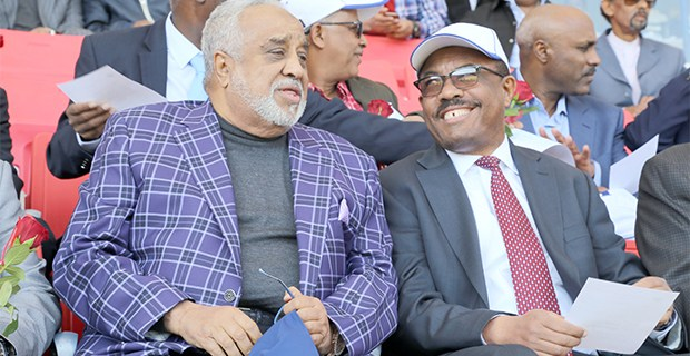 Sheikh Mohammed Hussein Ali Al Amoudi (left) at a stadium with then Ethiopian Prime Minister Hailemariam Desalegn