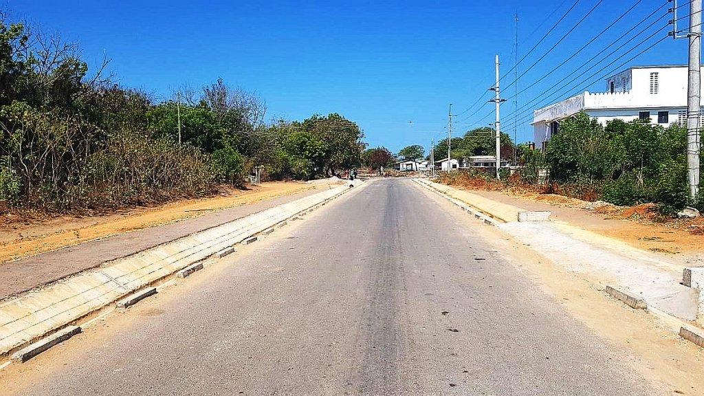 Unmarked, Lamu/Mukolwe Township Road