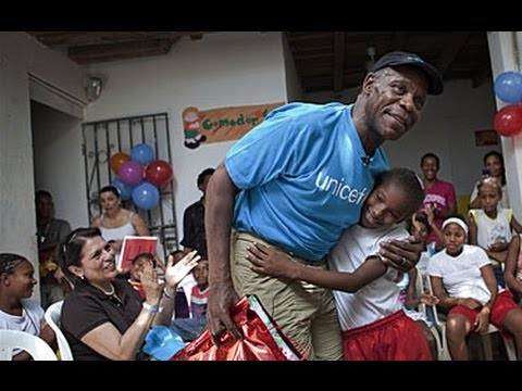 As UNICEF Goodwill Ambassador, Danny Glover in Colombia